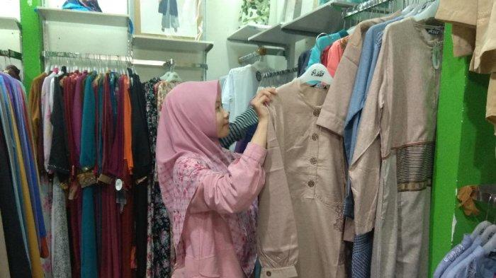 Sambut Hari Raya dengan Busana Muslim Couple untuk Keluarga, Bisa Didapat di Azila Rumah Muslim