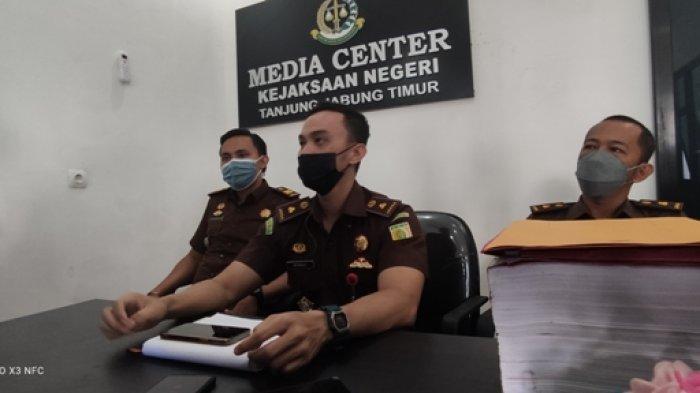 Kepala SMAN 9 Tanjabtim Diperiksa Kejari Terkait Dugaan Korupsi Dana BOS