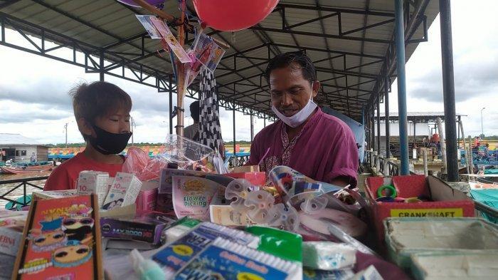 Kisah Kaspul Anwar, Penjual Mainan Anak di Kuala Tungkal untuk Penuhi Kebutuhan Hidup Keluarga