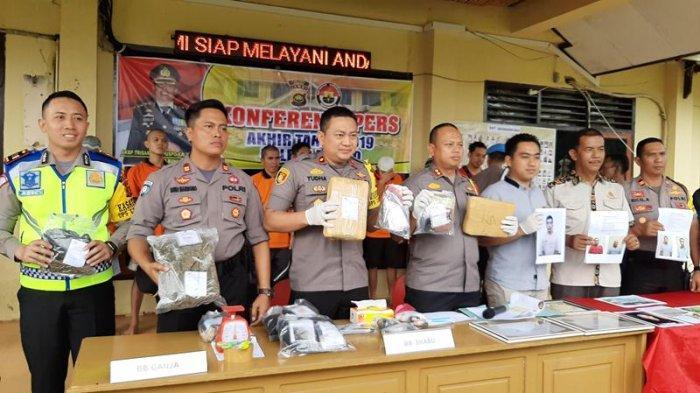Diduga Jadi Tempat Transaksi Bandar Narkoba, Bengkel di Bungo Digerebek, Polisi Amankan Barang Ini