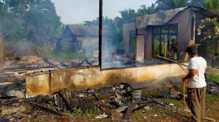 Satu Unit Rumah Warga Sungai Bahar, Jambi Ludes Dilahap si Jago Merah, Ini Penyebabnya