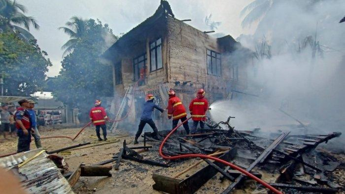 Ditinggal Belanja ke Warung, Rumah Yulianto dan Dua Tetangganya di Sarolangun Habis Terbakar
