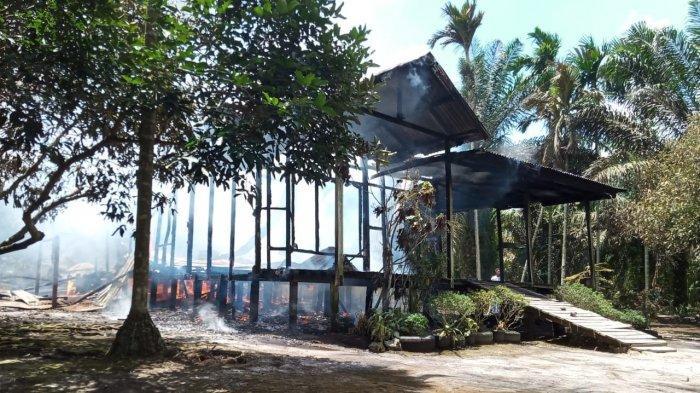 Ditinggal Salat Jumat, Satu Rumah di Mendahara Ulu Ludes Terbakar