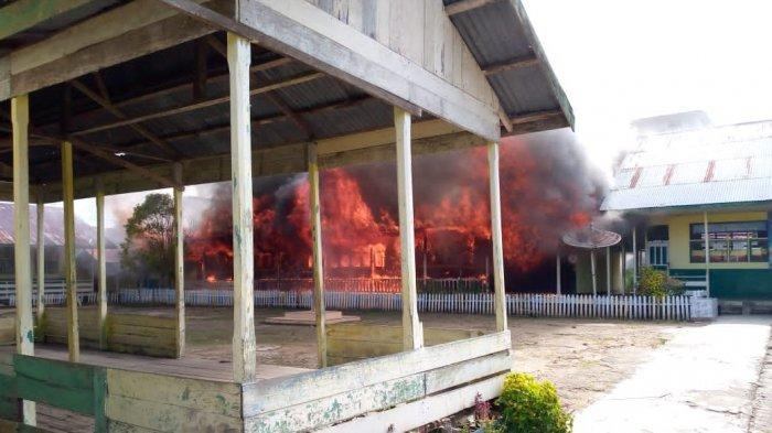 BREAKING NEWS Kebakaran di Nipah Panjang Tanjabtim, Empat Ruang Belajar SD 16 Hangus Terbakar