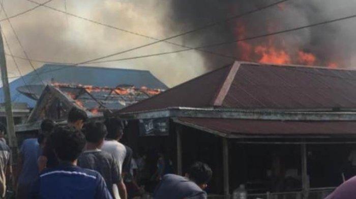 Kebakaran kembali terjadi di Kabupaten Tanjung Jabung Timur (Tanjabtim), satu unit rumah warga Mendahara Ilir ludes dilalap si jago merah, Selasa (24/11/2020).