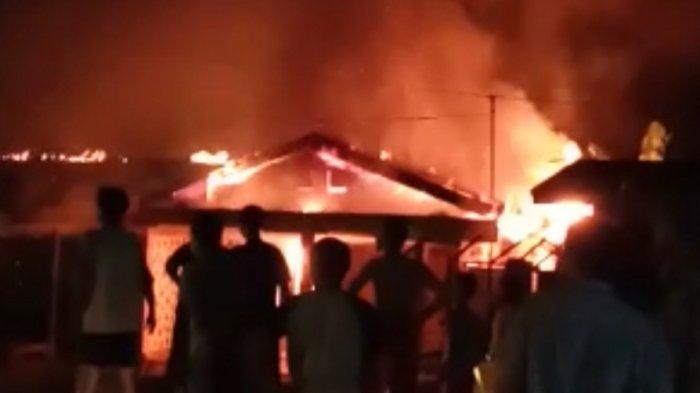Diduga Korsleting Listrik, Dua Ruko dan Satu Rumah di Tebo Ludes Dilalap Api