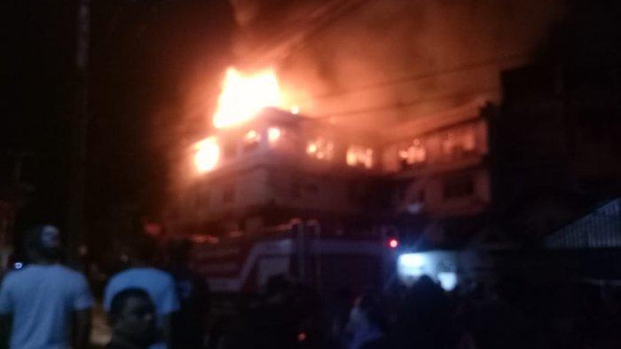 Api Melalap dari Lantai 5,Hotel Semagi Muara Bungo Terbakar