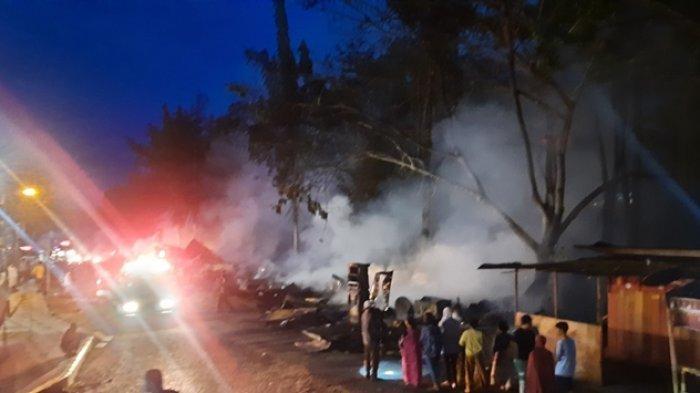 Kebakaran yang terjadi di Merangin, Rabu (1/9/2021) mengakibatkan puluhan kios hangus terbakar.