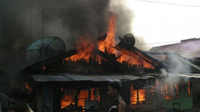 BREAKING NEWS: Rumah Terbakar, Nyai Sob Terpaksa Ngungsi