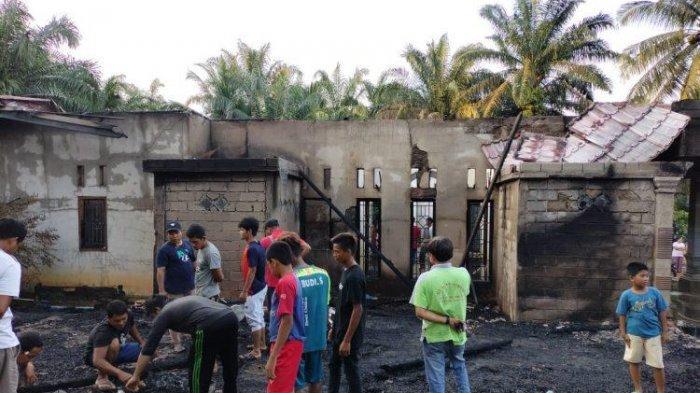 Mobil Damkar Bungo Rusak Saat Menuju Lokasi Kebakaran, Dua Rumah Ludes Terbakar