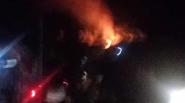 BREAKING NEWS: Terjadi Kebakaran Rumah di Kecamatan Betara, Damkar Turunkan Tiga Armada