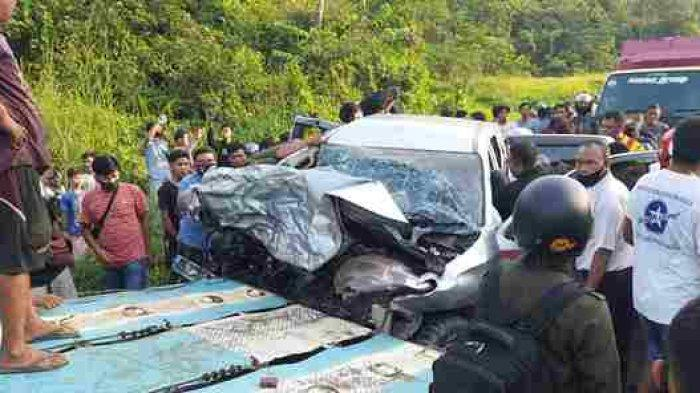 BREAKING NEWS: Kecelakaan Maut di Jalinsum Bungo, Fuso & Mobil Pribadi, Begini Kondisi di TKP