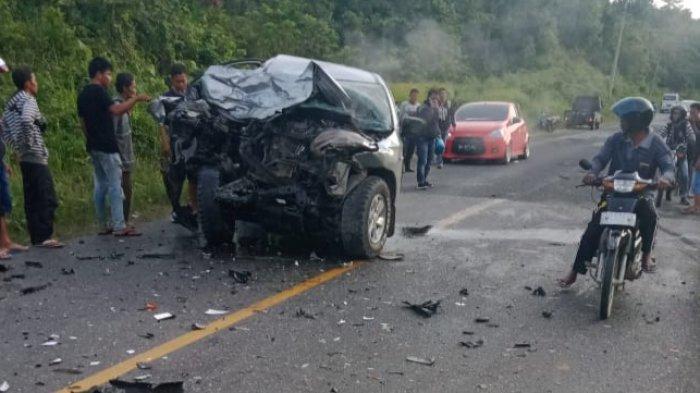 Kecelakaan maut terjadi di Jalan Lintas Muara Bungo - Jambi antara mobil pick up dengan truk tronton, Rabu (11/11/2020).