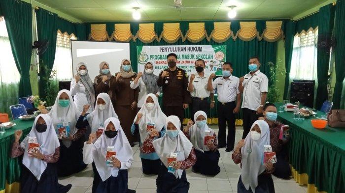 JMS Beri Penyuluhan ke SMPN 2 Merangin, Pelajar Mengenal Kejaksaan Hingga Kejahatan di Sekolah