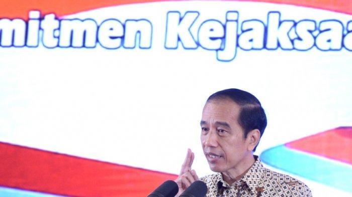 Kepala Kejaksaan Tinggi (Kajati) Jambi, Dr Johanis Tanak SH MH mengikuti Rakernas Kejaksaan Se-Indonesia secara virtual, Senin (14/12). Rakernas ini dibuka langsung oleh Presiden Republik Indonesia Ir Joko Widodo.