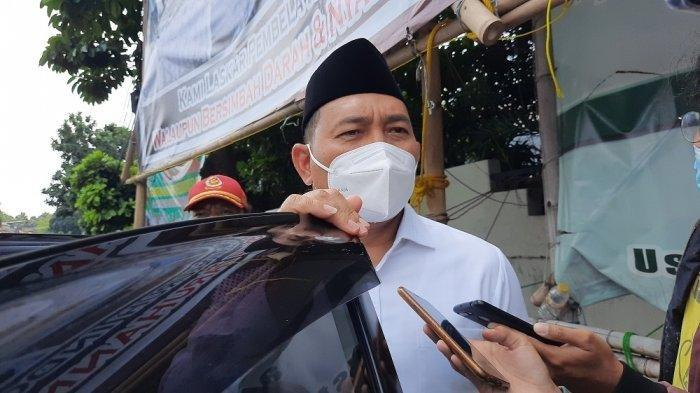 Kepala Satpol PP DKI Jakarta Arifin datang ke pernikahan putri Habib RIzieq Shihab di Petamburan, Tanah Abang, Jakarta Pusat pada Minggu (15/11/2020).