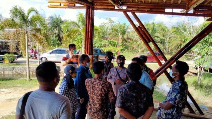 Polisi Bubarkan Kerumunan Tempat Wisata di Rimbo Bujang, Sempat Bersitegang Dengan Petugas