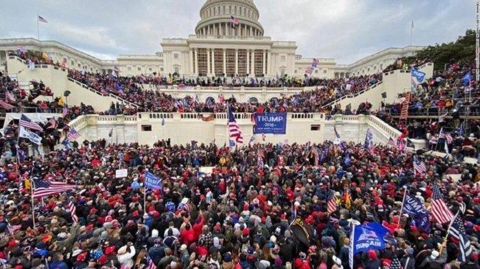 Gedung Capitol Berubah Mencekam, Polisi AS Tewas Diserbu Pendukung Trump, FBI Buru Anggota MAGA