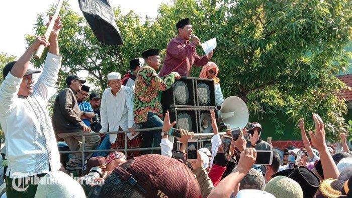 Perolehan Suara Jokowi Nol, Massa Geruduk KPU Pamekasan, Minta Prabowo Ditetapkan Sebagai Presiden