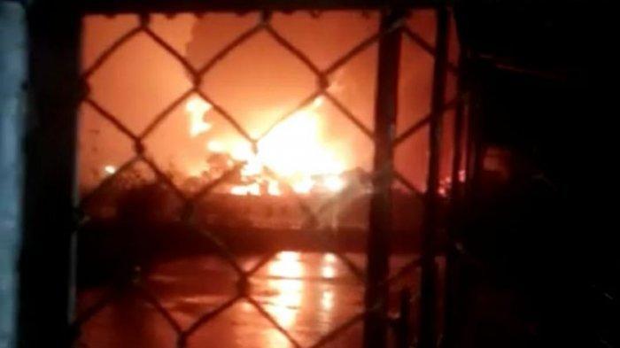 Kebakaran Besar Kilang Pertamina RU IV di Cilacap, Diduga Akibat Tersambar Petir