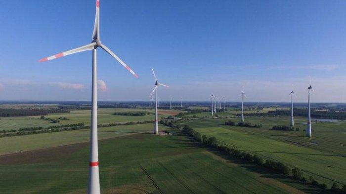 Deretan kincir angin di Brueck, Jerman. Pemerintah Jerman berambisi menggunakan energi terbarukan untuk memasok 80 persen kebutuhan listrik pada 2050.(Getty/Independent)