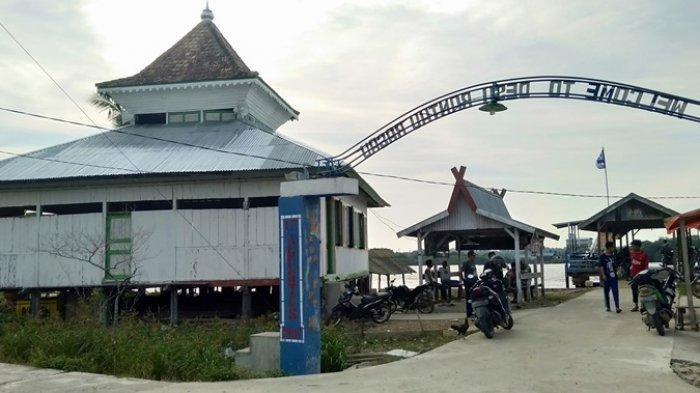 Kisah Masjid Tua 100 Tahun di Kampung Lamo, Rantau Rasau, Jambi Dibangun Pangeran Wiro Kusumo