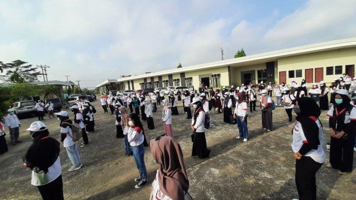 Wakil Rektor Universitas Jambi Lepas Ratusan Peserta KKN Kebangsaan ke Dua Kabupaten
