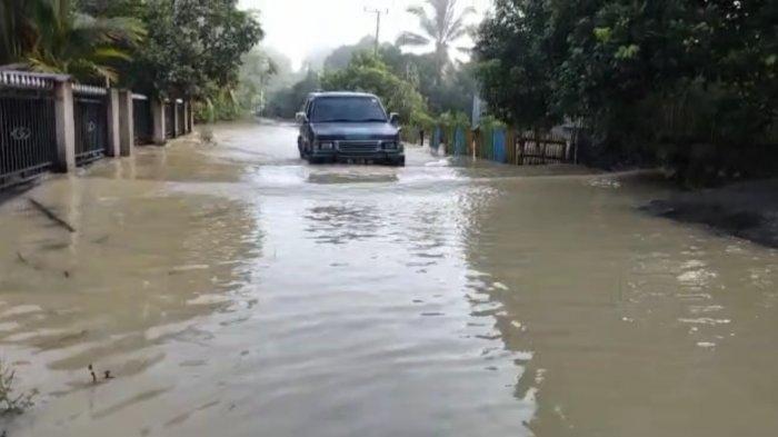Hujan Deras Sejak Sabtu di Bungo, Ratusan Rumah Terandam Banjir, Ketinggian Air Capai 1,5 Meter