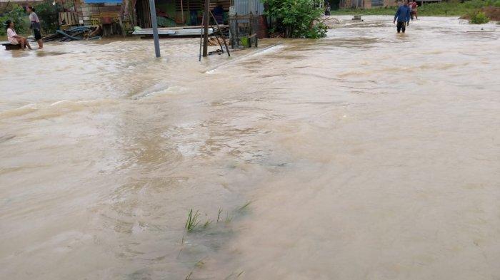 Hujan Deras Sejak Minggu Malam, Sejumlah Desa di Merangin Kebanjiran