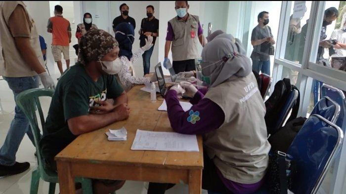 Vaksinasi SAD Batin Sembilan, Dari 300 Kepala Keluarga Hanya 18 Orang yang Datang