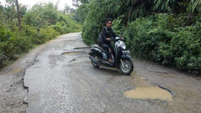 Jalan Utama Menuju Dua Sekolah Rusak Parah, Ini Kata Kadis PUPR Tebo