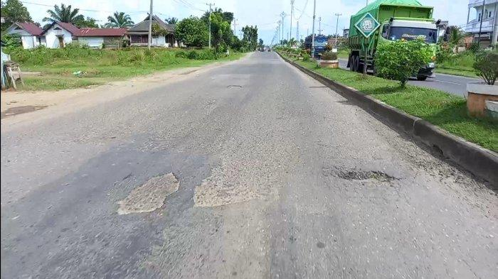 Miris, Baru Sebulan Dibangun Jalan Lintas Tebo-Bungo Sudah Muncul Kerusakan