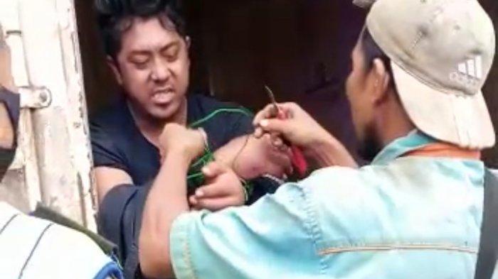 BREAKING NEWS Diduga Korban Perampokan, Warga Bukit Baling Temukan Orang Disekap Dalam Kontainer