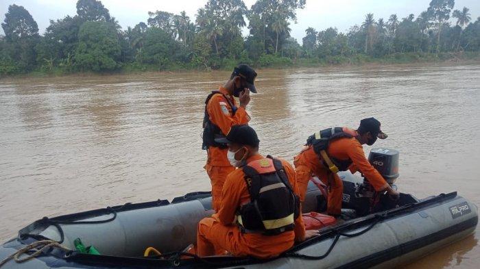 Tim gabungan pencarian korban yang tenggelam di Sungai Tembesi, Desa Jelutih, Kecamatan Batin XXIV, Batanghari