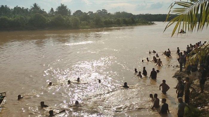 Sudah Dua Anak dan Dua Orang Dewasa Tenggelam Ditelan Aliran Sungai di Sarolangun