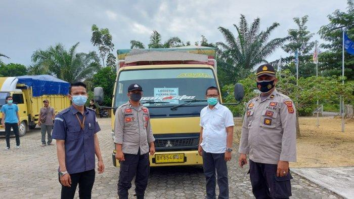 KPU Muarojambi Gunakan Lima Truk Berisi APD untuk Petugas Penyelenggara Pilkada di Kecamatan