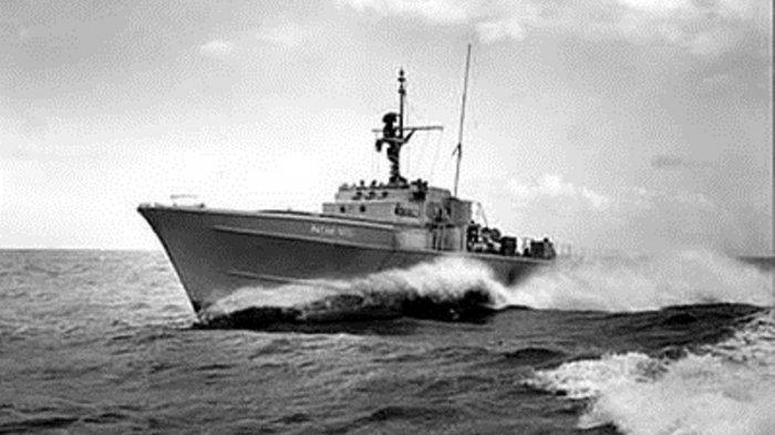 Pertempuran Laut Aru 1962, Kendali Macet, KRI Macan Tutul 'Dihantam Torpedo Kapal Perang Musuh