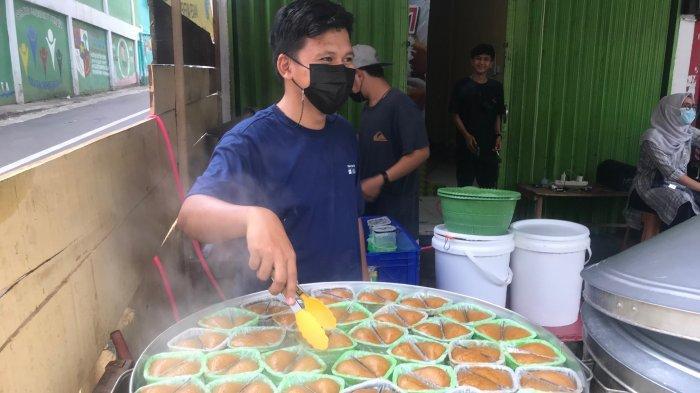 Dalam Sehari Raja Apang Panas 77 Jual Sampai 20 Kilogram Kue Apang dan Akan Tambah Cabang