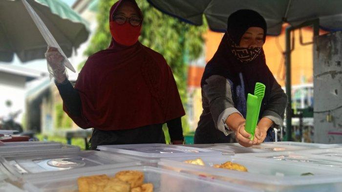 Omzet Pedagang Kue Saat Pandemi Covid-19 Turun Drastis