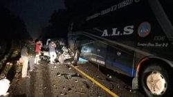 Kecelakaan Lalulintas kembali terjadi di Jalan Lintas Lintas Sumatera arah Merangin, Jambi. Akibatkan dua orang meninggal dunia, satu orang luka berat dan satu luka ringan
