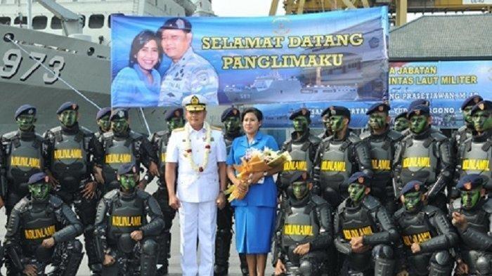 Dulu jenderal ini seorang petani tapi berani masuk Angkatan Bersenjata Republik Indonesia pertengahan tahun 1980-an. Kini dia jadi salah satu calon panglima TNI.