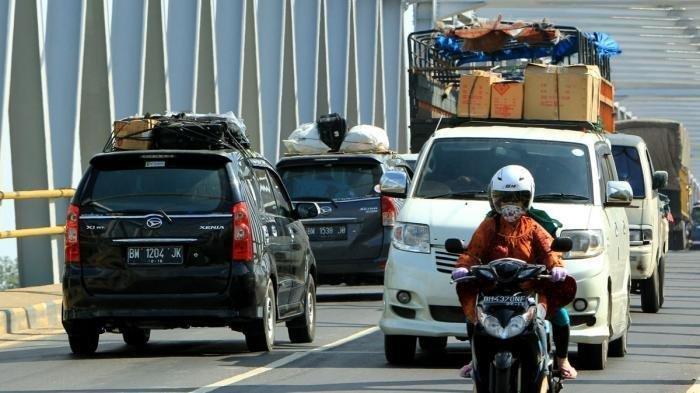 Sopir Taksi Online Berani Ambil Order Antar Pemudik Pulang Kampung Walau Tahu Risikonya