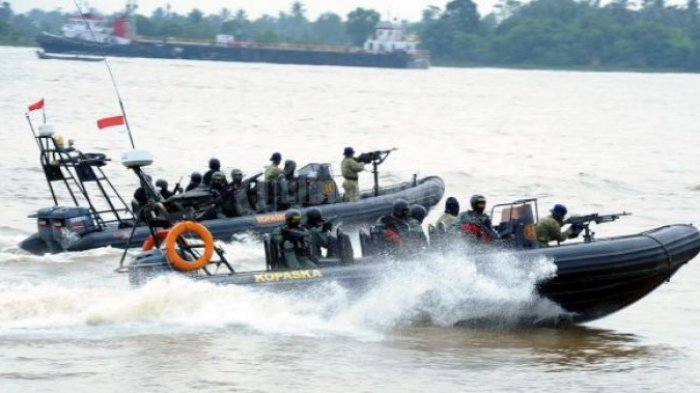 Heboh Aksi Gila Tentara Laut Indonesia Hadang Iring-iringan Armada Kapal Induk US Navy Jadi Sorotan