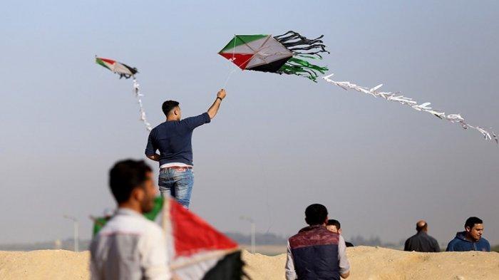 Cuma Pakai Layang-layang, Warga Palestina Buat Tentara Israel Ketakutan dan Minta Bantuan Sniper