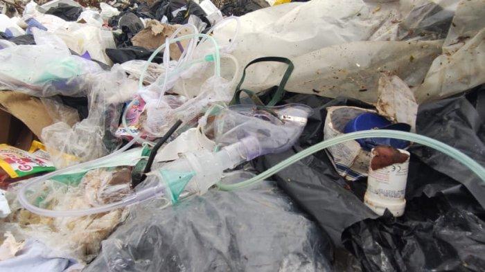 Limbah Medis Berserakan di TPA Tanjabtim, Ada Selang Oksigen Pasien Hingga Tabung Jarum