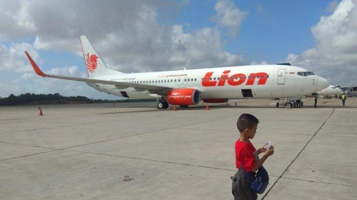 Pesawat Lion Air saat parkir di Bandara Sultan Thaha Jambi.