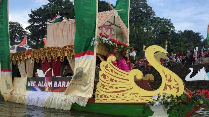 Pertama Diadakan di Danau Sipin Lomba Perahu dan Ketek Hias, Masyarakat Kota Jambi Antusias