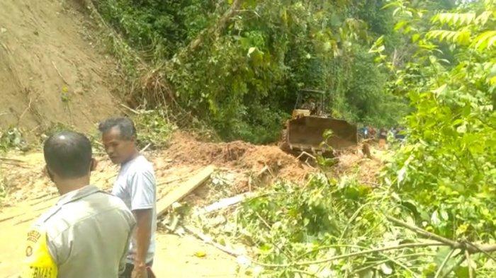 Longsor di Bungo, Jalan Menuju Bathin III Ulu Terputus, Hanya Bisa Dilalui Sepeda Motor