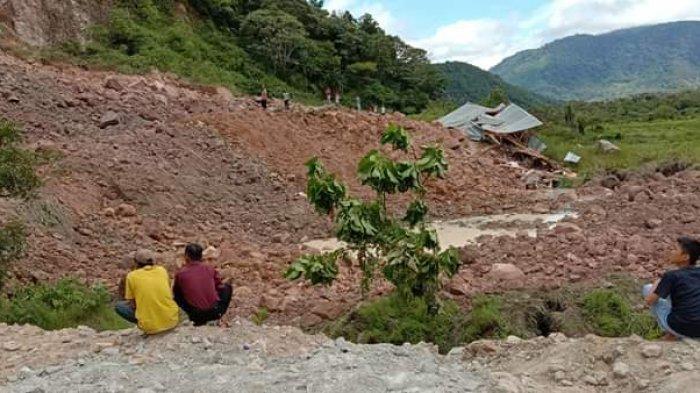 Longsor di Kerinci, Tanah 7 Meter Timbun Jalan Penghubung Muaro Lolo-Sungai Hangat