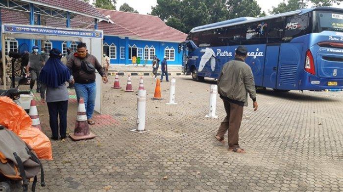 Jelang Nataru, Penumpang Bus Terminal Alam Barajo Naik Drastis, 2.029 Orang Tinggalkan Kota Jambi